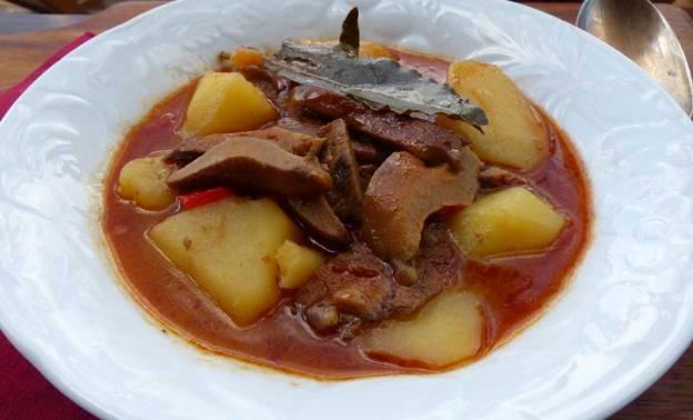 Patatas con níscalos al modo de Segovia. CP